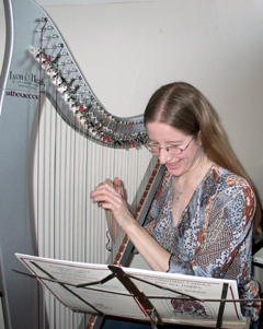 Playing the electric harp